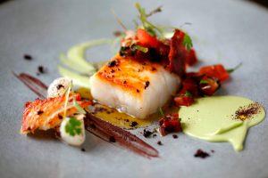 Islandská treska s avokádovou pěnou vypadá na talíři opravdu luxusně.