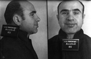 Al Capone strávil na ostrově Alcatraz zhruba 4 a půl roku.
