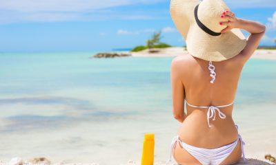 Při opalování je třeba dbát na ochranu před UV zářením.