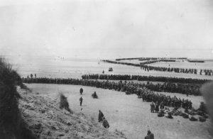 Britové stihli evakuaci dřívenež Němci stačili zaútočit.