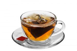 Ve 100 ml černého čaje, který se louhuje 5 minut, je kolem 30 mg kofeinu.