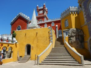 Palác v sobě mísí prvky gotického, romantického a manuelského stylu.