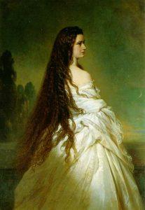 Chloubou císařovny byly její vlasy. Měla je až na paty a jejich pravidelné mytí jednou za tři týdny trvalo celý den.