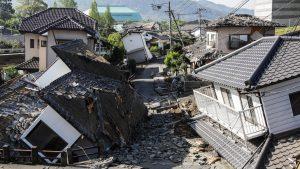 Následky ničivého zemětřesení v Japonsku.