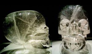 Jedna z tajemných lebek je k vidění v Britském muzeu.