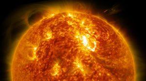 Ze Země je Slunce vnímáno jako žluté či rudé, ve skutečnosti je bílé.