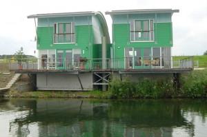 Plovoucí dům v holandském městě Maasbommel.