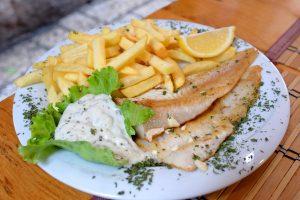 Ryby a dary moře ve zdejších restauracích už čerstvější být nemůžou.