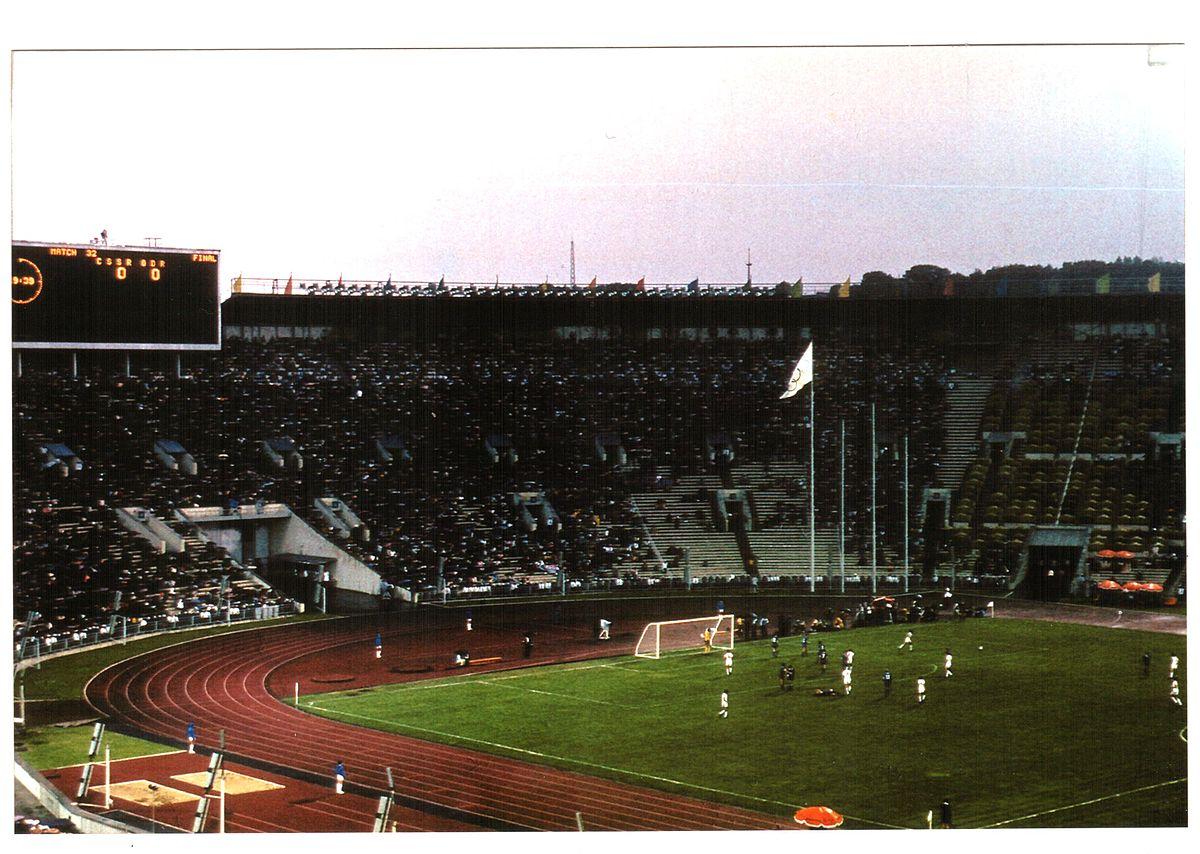 5 – Sověti a východní Němci hrám dominovali, fotbalový turnaj však ovládlo Československo