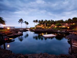 5. Královské bazénové jezírko ve Four Seasons Resortu v Hualalai na Havaji