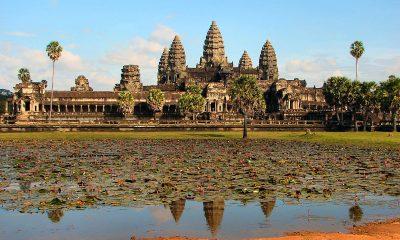 Angkor Vat, královský chrám a hlavní město Khmérské říše, je jednou z nejvýznamnějších památek Kambodže.