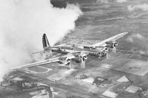 Maximální rychlost letounu B-17G byla 486 km/h.