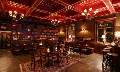 Cigar lounge v polském Podwale Bar and Books.