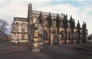 V nitru Rosslynské kaple se údajně nachází poklad nevyčíslitelné hodnoty.