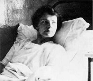 V roce 1920 se objeví dívka velmi podobná velkokněžně Anastázii. Přežila snad jedna z carových dcer masakr?