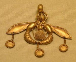 Minojci vynikali i ve výrobě šperků. Nebáli se, že nějaký nepřítel zatouží po jejich bohatství?