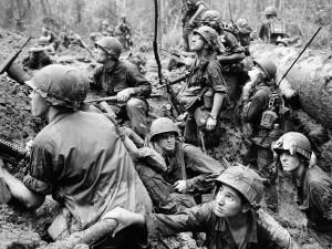 Skupina americký vojáků prý během války zahlédla chlupatého tvora se svalnatými pažemi.
