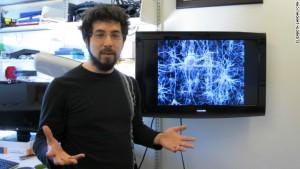 Tým amerického neurobiologa Eda Boydena umí vzpomínky nejen deaktivovat, ale pomocí stimulací i navrátit.