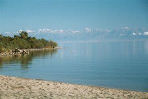 V poslední době se stále častěji mluví také o jezeře Issyk-Kul, nacházejícím se v severovýchodním Kyrgyzstánu.
