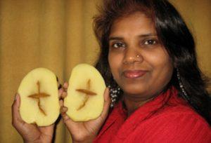 V bramboře se objevil kříž. Jde o náhodu, nebo zázrak?