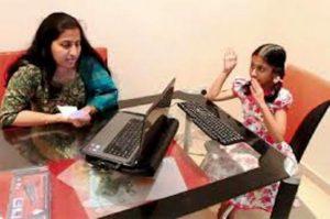 Jak je možné, že Nandana napsala totéž, co si právě v duchu četla její matka?