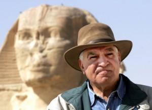 Vykopávky pod Sfingou byly zakázány. Zasadil se o to vedoucí Nejvyšší rady pro památky Egypta Zahí Havás.