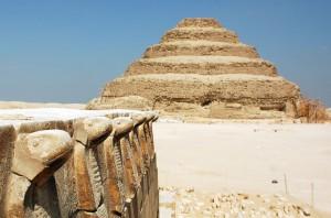Tajemný objekt byl nalezen v egyptské Sakkáře. Archeology ale předběhli vykradači hrobek.