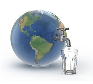Celkem 96,5 % vody tvoří slaná voda v mořích a oceánech.