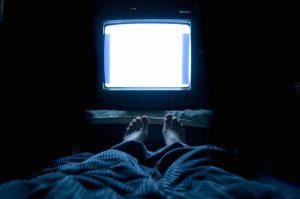 To, že sledování televize není zdravé, se všeobecně ví. Mávnout nad tím rukou se ale nemusí vyplatit.
