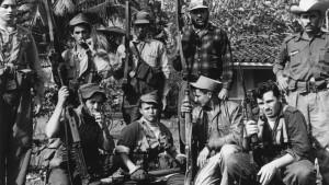 Vylodění v Zátoce sviní dopadlo pro Američany v roce 1961 naprostým fiaskem. Tajné služby proto začaly spřádat nový plán, jak svrhnout režim na Kubě.