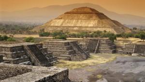 V dobách největší slávy žilo v Teotihuacanu až 200 tisíc lidí a svou rozlohou zastínil i starověký Řím. To bylo asi kolem roku 500 našeho letopočtu.