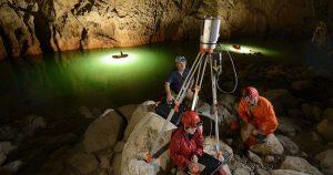 Tým vědců a speleologů měřil tvar jeskyně pomocí laserových skenerů. Celkový objem tvoří 10 780 000 metrů krychlových.