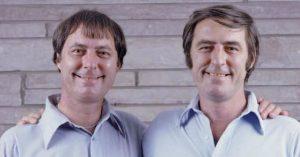 Bratři Jim Springer a Jim Lewis vyrůstali odděleně, přesto žili podobné životy. V roce 2002 zemřeli ve stejný den na totožnou nemoc.