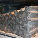 Vědcům se již podařilo vytvořit 1,5 tuny těžký stavební blok z podobné směsi jako je měsíční prach.
