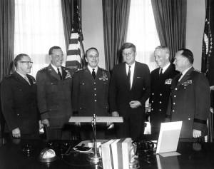 Plány na falešné teroristické útoky přímo na americké půdě rezolutně odmítl tehdejší prezident J. F. Kennedy.