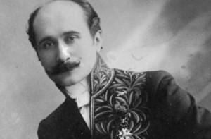 Francouzský dramatik Rostand se při psaní svého nejvýznamnějšího díla inspiroval reálnými událostmi