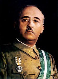 Generál Franco udělá pro vítězství v občanské válce všechno. Klidně i povraždí nevinné lidi.