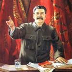 Josif Stalin si dává záležet na tom, aby vypadal, že s procesy nemá nic společného. Jeho popularita na veřejnosti tak vůbec neutrpí