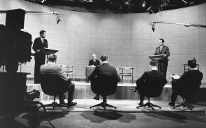 Kennedy v důležité televizní debatě triumfuje.
