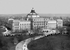 Knihovna Kongresu patří mezi největší na světě. Vlastní na 160 000 000 položek.