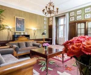 Schlosshotel, jehož interiéry designovali dva slavní němečtí návrháři Karl Lagerfeld a Patrick Hellmann