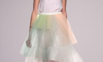 Módní styl návrhářky Anny October je výrazně romantický.