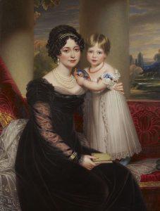 Matka podrobuje malou Viktorii přísné výchově.