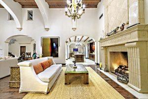 Monumentální prostor patří jednomu z nejslavnějších představitelů akčních hrdinů Hollywoodu Sylvestru Stallonovi a jeho ženě Jennifer Flavin.