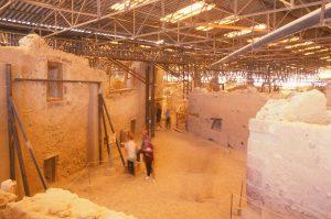 Vykopávky odhalily pod vrstvou sopečného materiálu pozůstatky původního osídlení Théry.