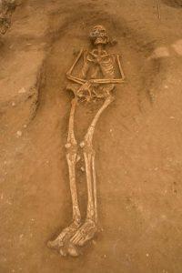 Poloha kostry ukazuje, že byli Pelištejci pohřbívání na zádech.