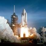Kovový prášek se používá nejen v ohňostrojích, ale i jako příměs do pevného raketového paliva