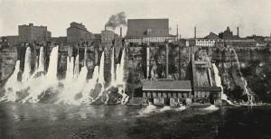 Přímo na Niagarských vodopádech postaví Tesla první moderní vodní elektrárnu na světě.
