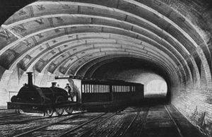 Parní lokomotivy nejsou pro provoz v podzemí příliš vhodné.