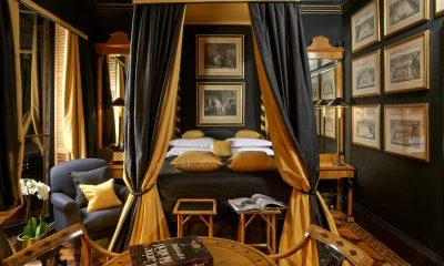 Romantika se rozhodně nemusí pojit jen s rudou barvou. Příznivce střízlivějších odstínů tak určitě potěší Directors Double Suite v londýnském hotelu Blakes.